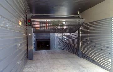 Maniobra_de_puerta_insonorizada